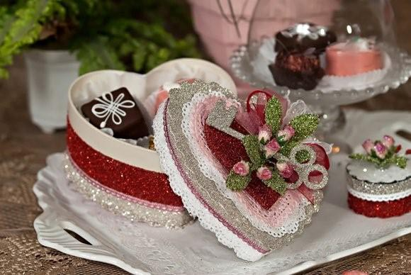 Red Valentine Gitter Box